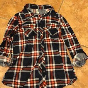 Women's Collared button down shirts.